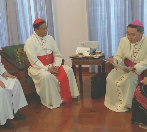 Kardinaal Bo is bemiddelaar bij gesprekken tussen Myanmar en de H. Stoel © Asianews