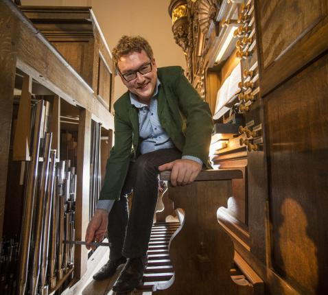 Organist Nico Declerck. © Bert De Deken
