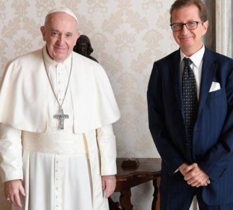 Paus Franciscus met Alessandro Cassinis Righini © VaticanMedia