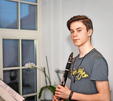 Er zit muziek in het geloofsleven van de jonge catechumeen Jona De Weerdt. © Tony Dupont