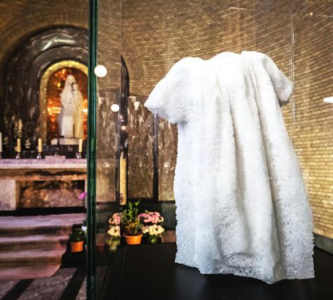 Het kunstwerk van Ingrid Rosschaert in de basiliek van Koekelberg © Bart Dewaele