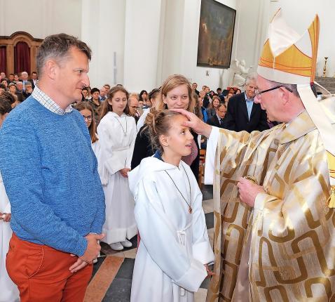 In de vormselviering gaan sacrament en familiefeest samen. © Peter Verhaegen