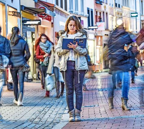 Diverse gebedsmethoden helpen gelovigen om de Bijbel, het Woord van God, toe te passen op hun dagelijkse leven. © KNA-Bild