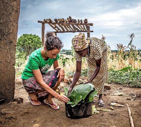Met Broederlijk Delen bij Grace in Uganda. De wereld is kleiner geworden.  © Thomas De Boever