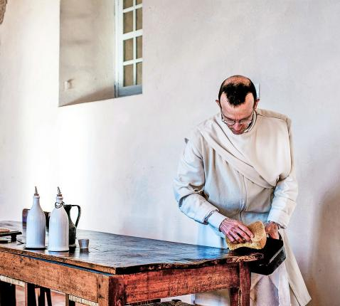 Voor wie intreedt in een abdij is materiële zaken opgeven niet het moeilijkste. © Belga Image