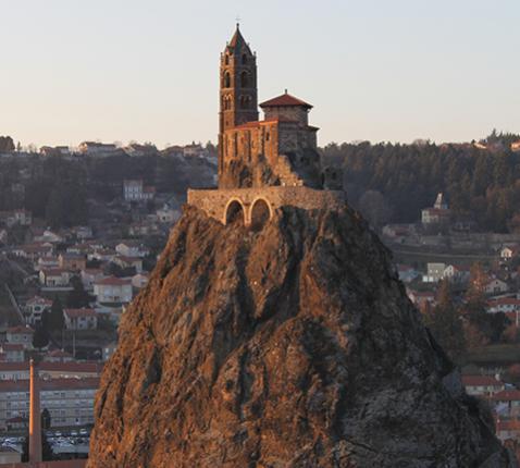 Saint Michel d'Aiguilhe © Bivouacker, Wikimedia