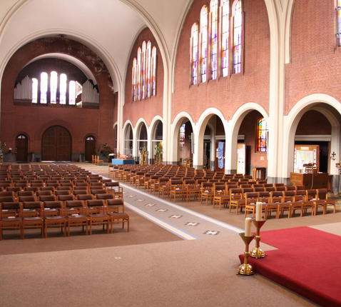 binnenzicht kerk Onze-Lieve-Vrouw Middelares © Mia Verbanck