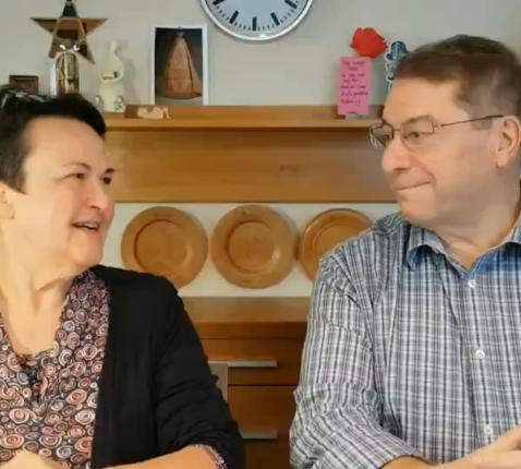 Marc en Lia vertellen over hun 'weg van gebed'. © Lieve Gommers