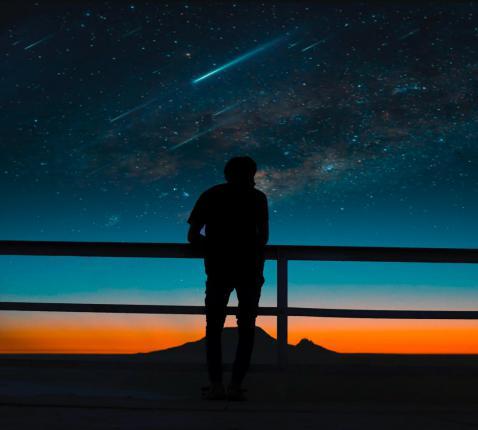 Albert Einstein noemde de kosmos een vriendelijk universum. Religieus vertaald: God is goed. © RR