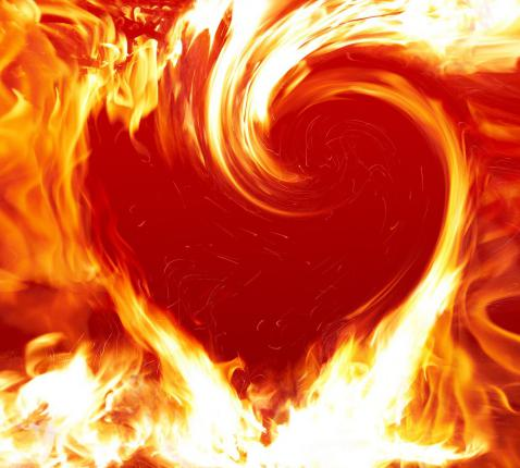 'Ook in ons hart brandt een klein vlammetje van hoop en liefde.' © Pixabay