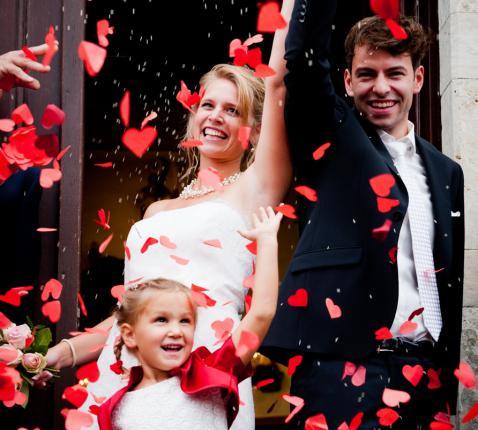 Vreugde bij een kerkelijk huwelijk © Liesbeth Pulinckx
