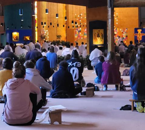 30 leerlingen uit diverse scholen van Aalst trokken naar Taizé en ontdekten wat het geloof voor hen kan betekenen. © Taizé Jongeren Aalst