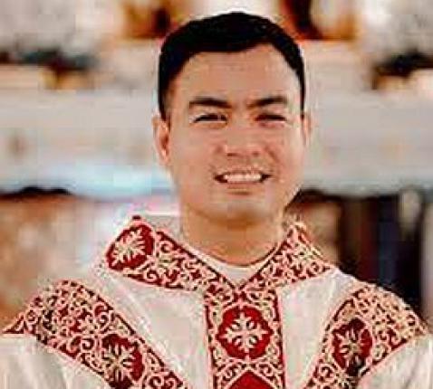 De Filipijnse priester Fiel Pareja © Facebook
