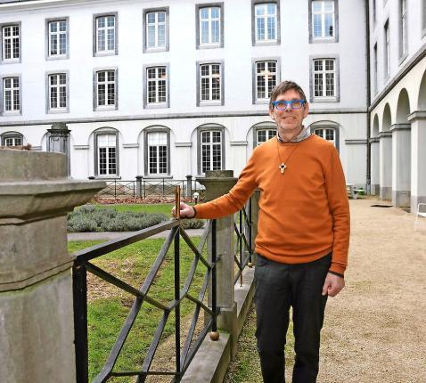 Paul Van Assche