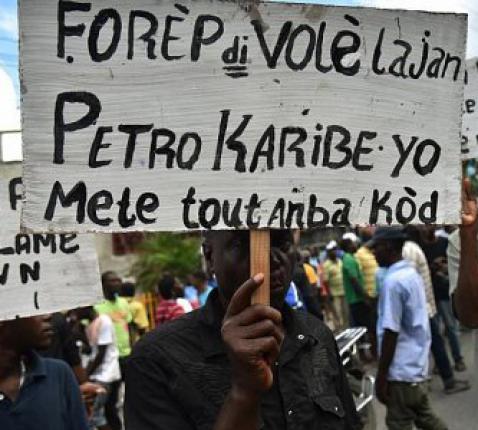 Straatprotest in Haïti © Broederlijk Delen