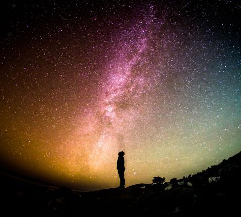 Een kosmisch godsbeeld is niet tegengesteld aan de God van de Bijbel. © CC Pexels