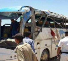 Een van de zwaargehavende bussen in de buurt van Minya © Comité de soutien aux Chrétiens d'Orient
