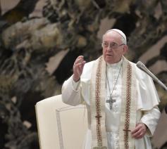Paus Franciscus tijdens zijn catechese over het Onzevader op de algemene audiëntie van woensdag 13 februari 2019 © VaticanMedia
