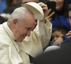 Paus Franciscus tijdens zijn catechese over het Onzevader op de eerste algemene audiëntie van het nieuwe jaar 2019 © VaticanMedia