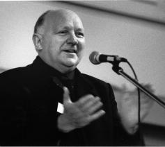 Joseph Wresinski, 1983 in Rijsel. © ATD Vierde Wereld