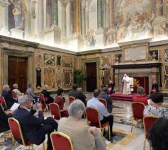 De 30-koppige Tertio-delegatie op privé-audiëntie bij paus Franciscus © VaticanMedia