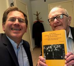 Bisschop Lode Aerts en Leo Declerck met het nieuwe boek