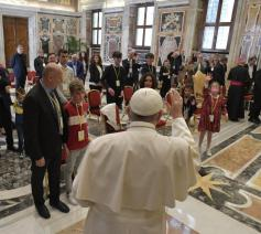Paus Franciscus tijdens de audiëntie voor de leden van de Italiaanse antimisbruikvereniging 'Meter' © VaticanMedia