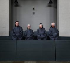 Laatste zusters van de Roosenbergabdij poseren voor lens van Ronald De Buck. © Ronald De Buck