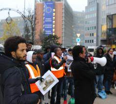 Vorige maand kwam een 200-tal Eritreeërs – onder meer Merhawi Goitom en Abrahalei Tesfai (vooraan links) – in Brussel bijeen om Europese beleidsmakers ervoor te waarschuwen dat Eritrea allerminst een 'veilig land' is © RR/Tertio