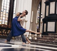 Philipe Lens en Nicha Rodboon in Pie Jesu van Sidi Larbi Cherkaoui © Opera Ballet Vlaanderen