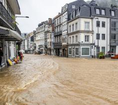 Beeld van de overstromingen in de provincie Luik © vrtNWS