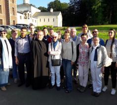 Een deel van de groep met de prior van Chevetogne  © BL
