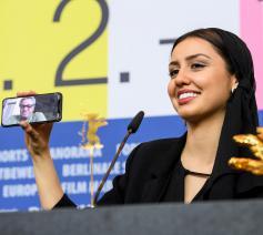 Regisseur Mohammad Rasoulof  volgde via smartphona © Berlinale