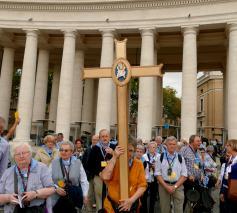 Processie naar de Heilige Deur voor het Jaar van de Barmhartigheid © Hugo Casaer