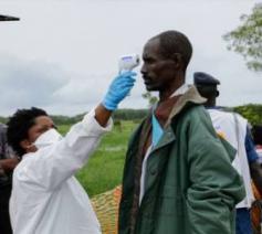 Bij de gezondheidszorg in DR Congo is het vaak behelpen met de middelen die er zijn © Fides