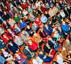 publiek in de stadsschouwburg te Mechelen © Jeroen Moens