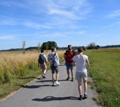 De warme temperaturen hielden ons niet tegen om te genieten van een prachtige wandeling in de omgeving. © Isabelle Desmidt