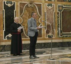 Mgr. Dirk Smet en Emmanuel Van Lierde bij paus Franciscus © Maîtrise