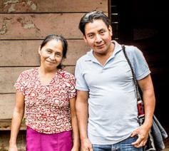 César en Leonarda uit Guatemala vergezellen ons deze campagne. © Thomas De Boever