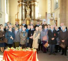 De trefdag begon met een misviering en bezoek in de kerk Sint-Lambertus Beersel. © Hugo Casaer
