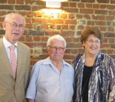 Carol Wimmer naast Herman Van Rompuy en (een jarige) Hugo Partous.