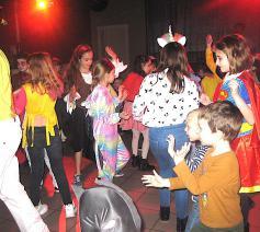 Gedanst werd er ook…ze vierden toch Carnaval! ©  L.J.