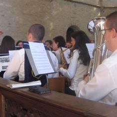 Onze Machelse Harmonie zorgde ook dit jaar voor muzikale klanken in de viering. Prachtig! © L.J.