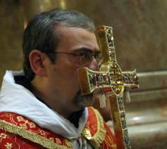 Kruisverering in de Heilig Grafkerk in Jeruzalem © lpj.org