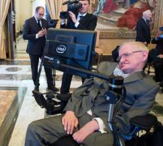 Stephen Hawking bij paus Franciscus © SIR