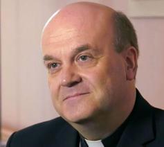 Bisschop Johannes van den Hende  © KRO