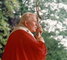 Paus Joannes Paulus II tijdens zijn bezoek aan ons land © IPID