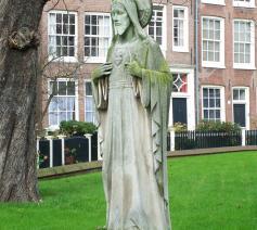 Standbeeld van Jezus op het Begijnhof in Amsterdam. © Door brbbl - Eigen werk, CC BY-SA 3.0, https://commons.wikimedia.org/w/index.php?curid=1462189
