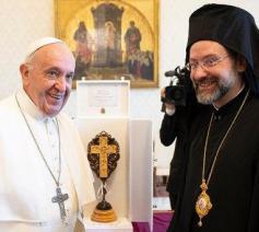 De orthodoxe bisschop Job Getcha bij paus Franciscus © Vatican Media