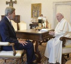 John Kerry bij paus Franciscus  © VaticanMedia